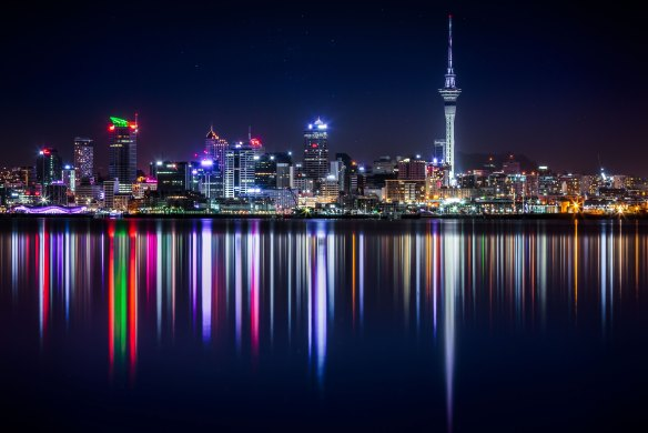 AucklandAtNight-503754-unsplash