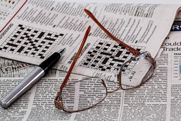 Newspaper&Spectacles-412452_1920